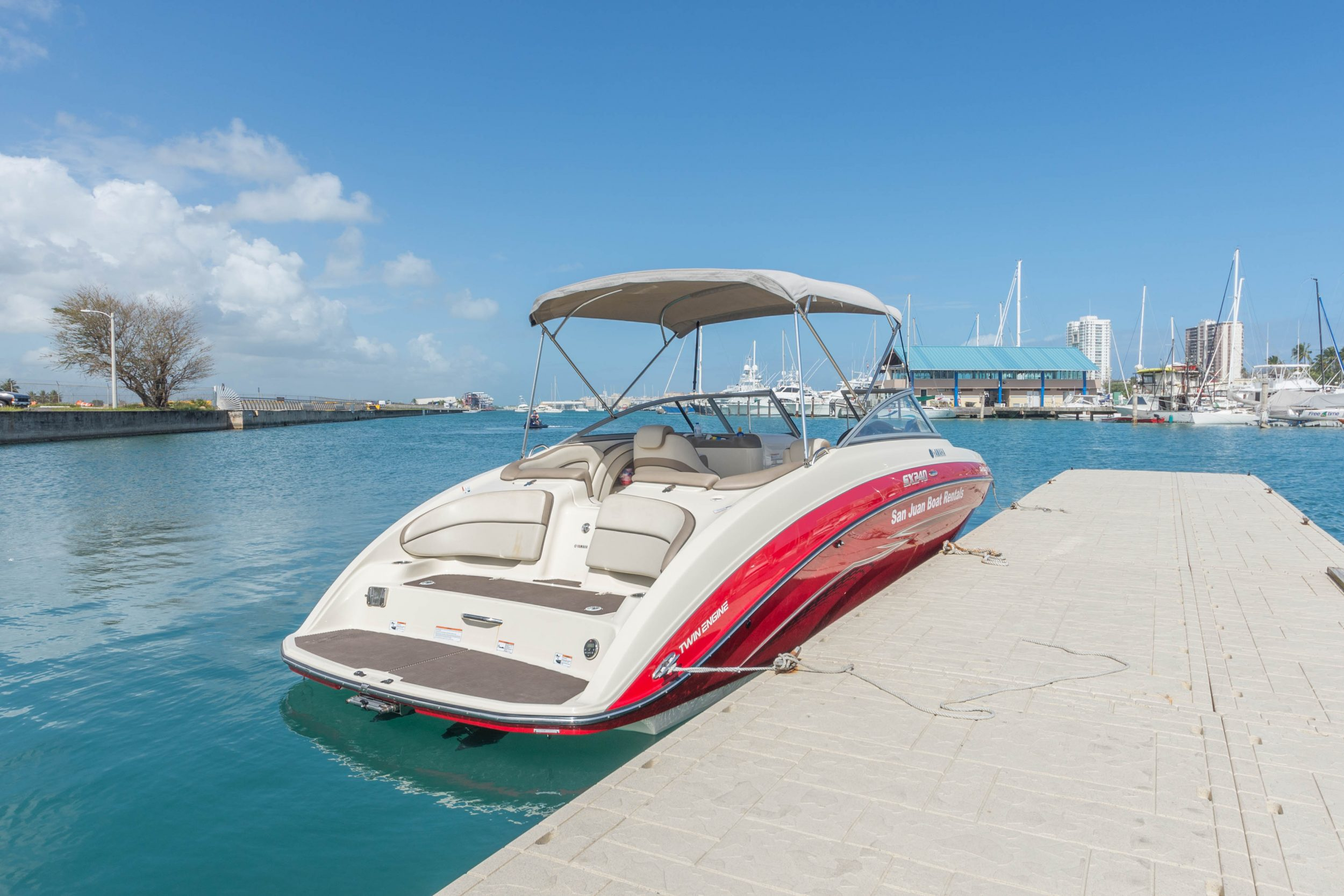 Picture of Stern of Yamaha Jetboat Hot Tamale.